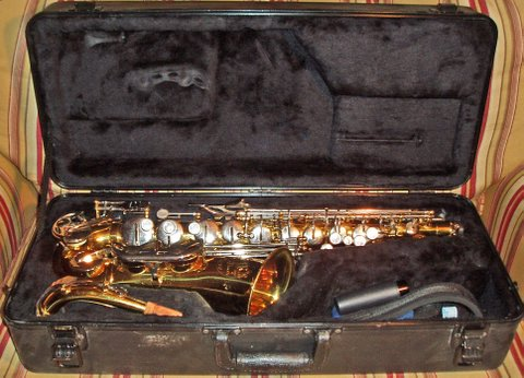 Picture of saxophone - King Empire 665 Saxophone For Sale!