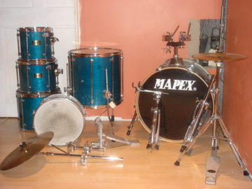 Picture of drum kit - 6 Piece Mapex Mars DrumSet!