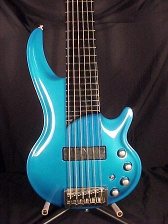 Picture of bass guitar - CORT CURBOW 6-String NEW