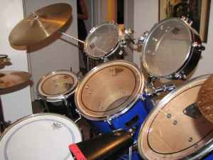 Picture of drum kit - SWEET Pearl Export series 7 piece drum set, with extras!!