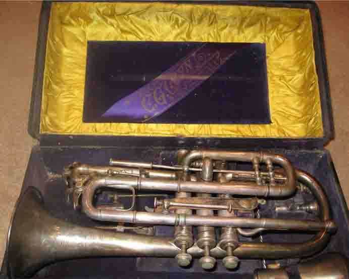 Picture of cornet (eb and bb) - Vintage Conn Perfected Wonder Cornet