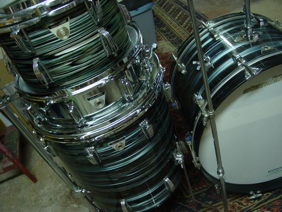 Picture of drum kit - 1970 LUDWIG STANDARD Drumset- Blue Strat