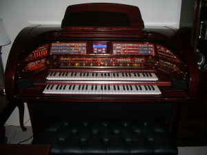 Picture of organ - Lowery Stardust SU/530 MINT CONDITION