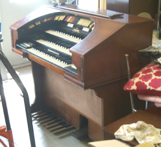 Picture of organ - Conn 580 3 tier organ with bass pedals+bonus leslie concert amplifier