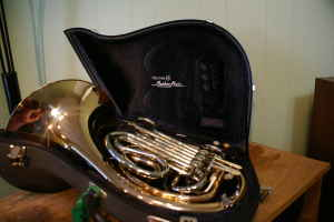 Picture of french horn - Holton Merker Matic Rose Brass French Horn