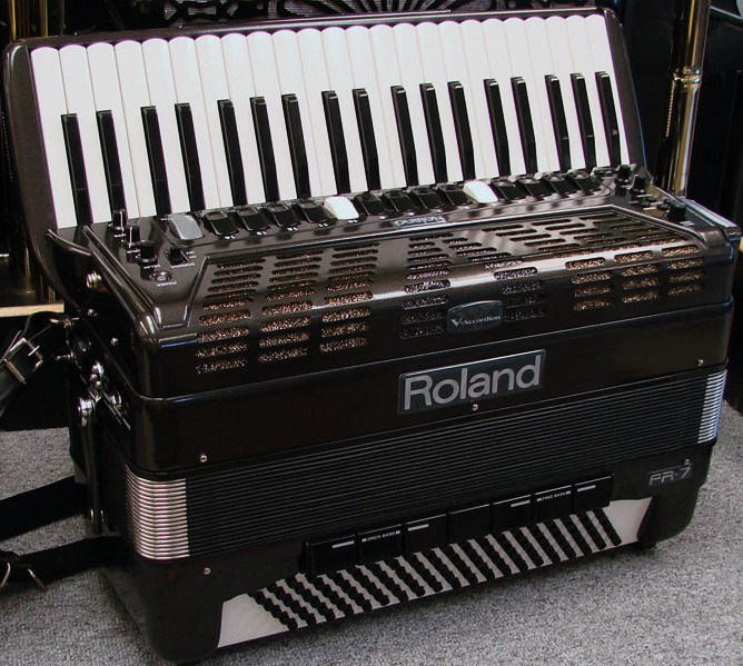 Picture of accordion - Roland FR7 Accordion Mint Black