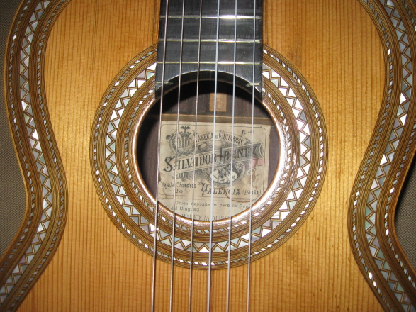Picture of acoustic guitar - Salvador Ibañez, Valencia 1908