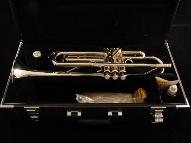 Picture of trumpet - Yamaha Professional Trumpet, Model 4335GS
