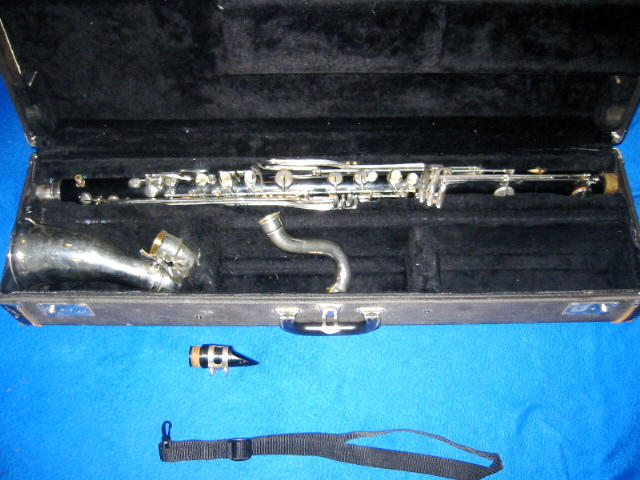 Picture of bass clarinet - Vito bass clarinet / mouthpiece