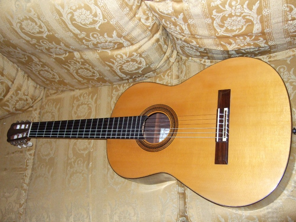 Picture of acoustic guitar - 2000 Michael Thames Classical guitar