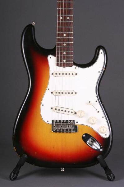Picture of electric guitar - 1966 Fender Stratocaster Original Finish & Electronics