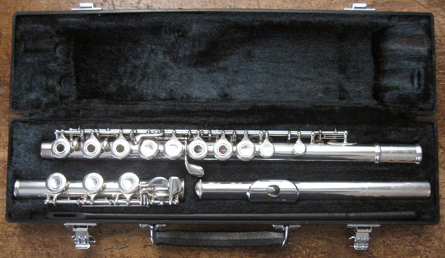 Picture of flute - Yamaha 381 Flute - Excellent condition, great deal!
