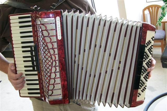 Picture of accordion - German Built Silvetta Accordion