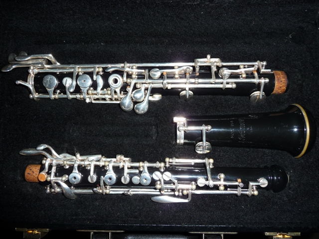 Picture of oboe - Selmer 104 Full Conservatory