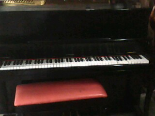 Picture of piano - PIANO FOR SALE 25,000.00 CHEAP