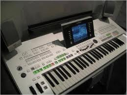 Picture of electronic keyboard instrument - Sell Yamaha Tyros 3 61 Key Arranger Workstation Keyboard