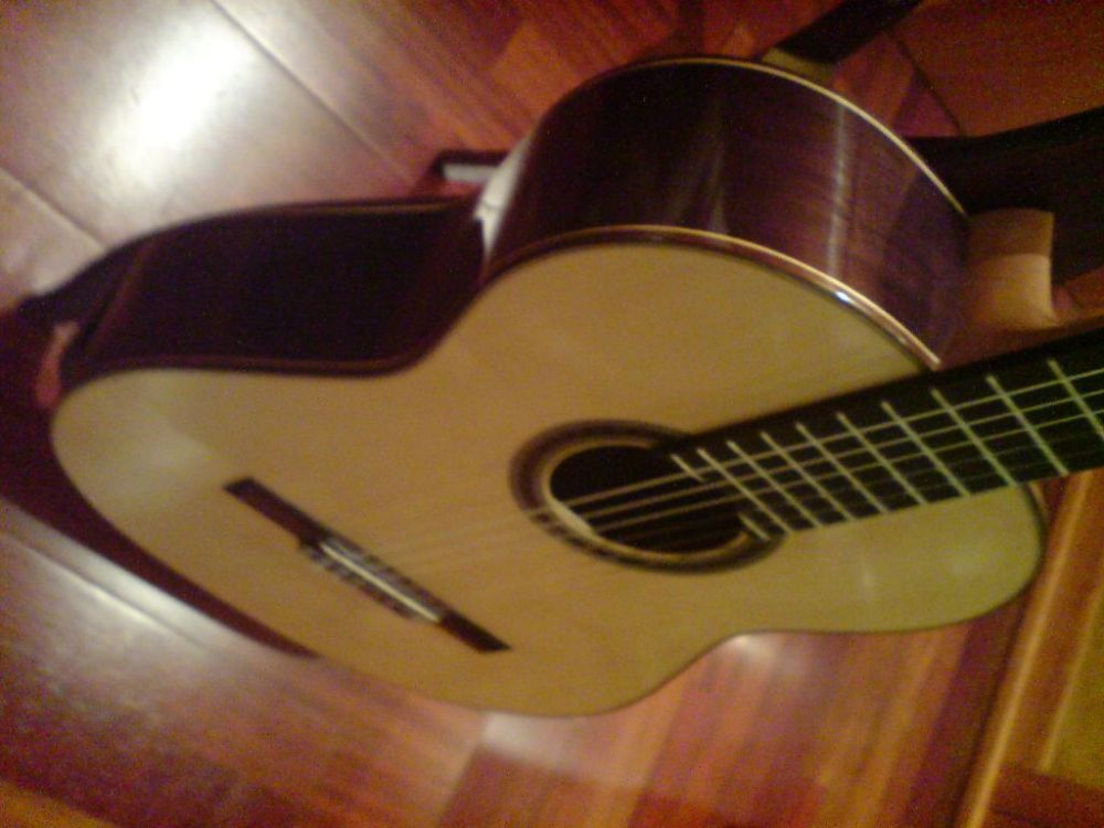 Picture of acoustic guitar - Antoni Raya Pardo Classical Guitar