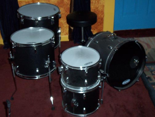Picture of drum kit - Vintage TAMA StageStar Drumkit Drums Bass Toms