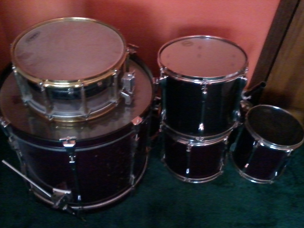 Picture of drum kit - Tama Rockstar 7 pc.