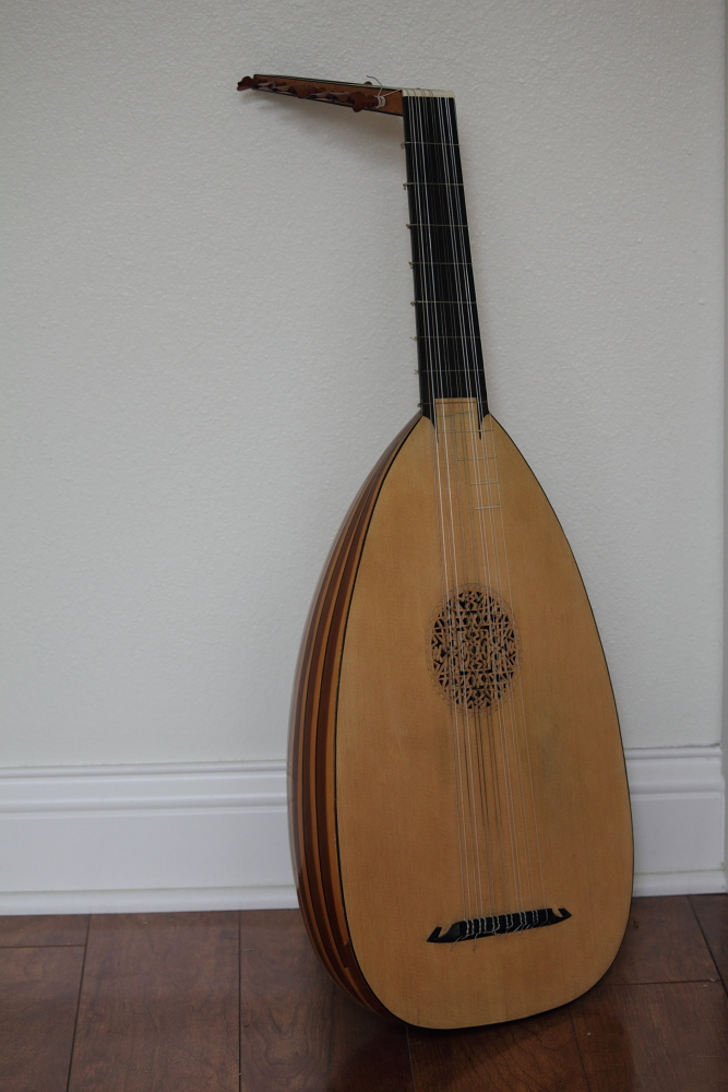 Picture of lute - Robin V Linklater 7 course lute