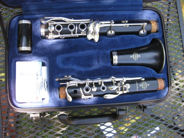Picture of clarinet - Buffet C13 International Wooden Bb Clarinet in Nearlyl New Condition