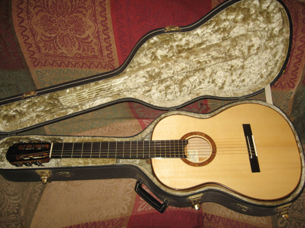 Picture of acoustic guitar - Gioachino Giussani Concert classical Guitar 2009