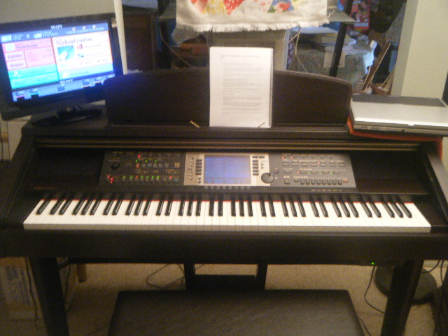Picture of electric piano - Yamaha CVP-207 mint