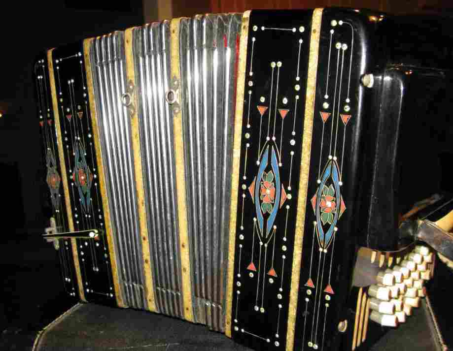 Picture of bandoneon - Vintage Black Bandoneon