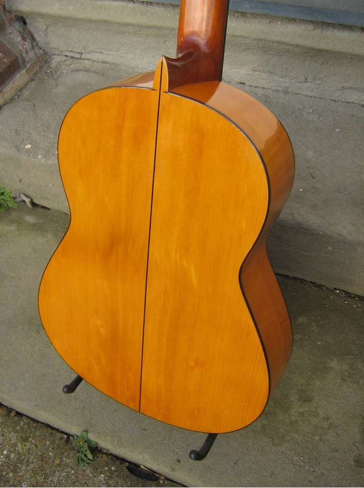 Picture of acoustic guitar - 1964 Jose Ramirez 1a blanca flamenco guitar