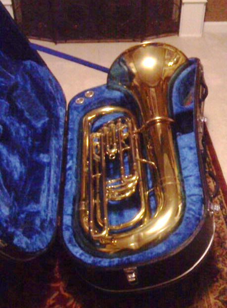 Picture of tuba - yamaha- 4 valve- BBb