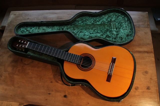 Picture of acoustic guitar - ANESLMO SOLAR GONZALES