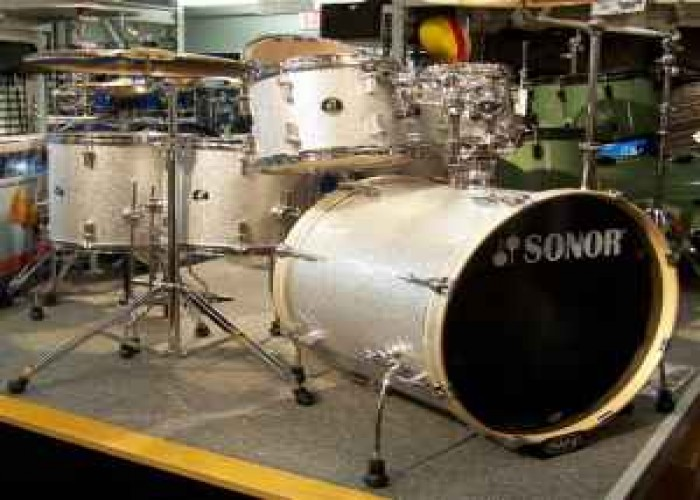 Picture of drum kit - Sonor Special Edition 6 pc w/cymbals