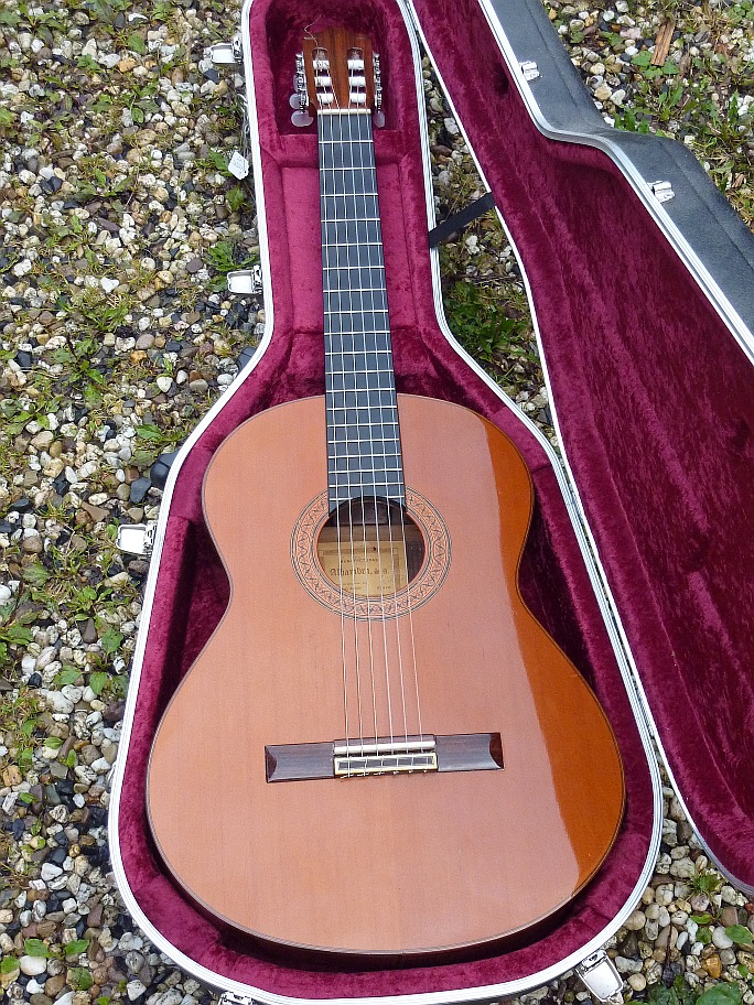 Picture of acoustic guitar - Alhambra 10c (1978)