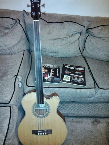 Picture of bass guitar - Acoustic/Electric Bass w/Hardshell Case