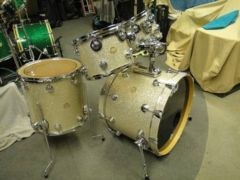 Picture of drum kit - DW collectors series 4pc shell pack Broken Glass like new!!