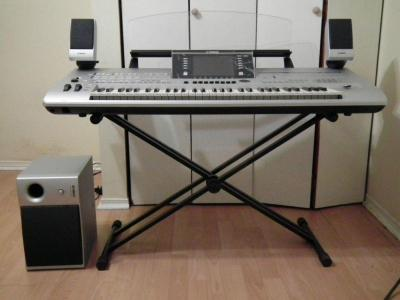 Picture of piano - Yamaha Tyros 5 76 Key Arranger Workstation Keyboard w stand speakers